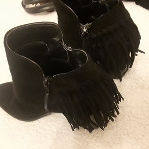Cute ankle booties wet seal size 8